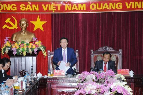 越南政府副总理王庭惠与北件省主要领导干部座谈 hinh anh 1