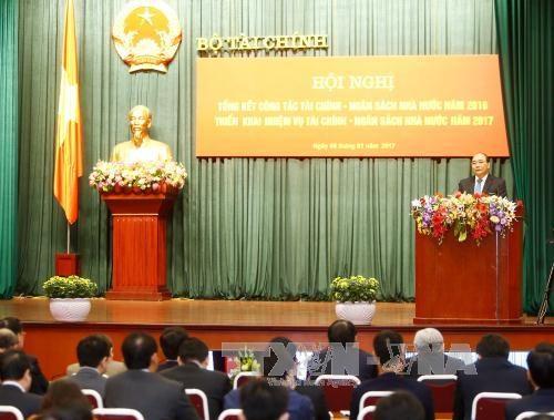 阮春福总理:财政部门应在建设服务型政府和财政机关起到带头作用 hinh anh 1