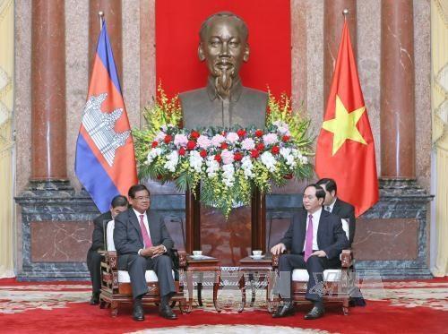 越南国家主席陈大光会见柬埔寨副首相兼内政部大臣韶肯 hinh anh 1