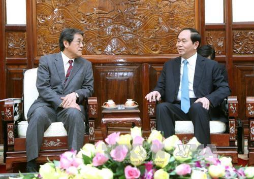 越南国家主席陈大光会见日本驻越大使梅田邦夫 hinh anh 1