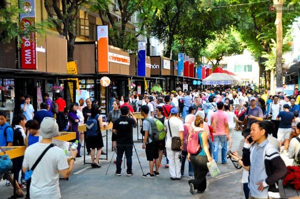 河内市将举办2017丁酉鸡年春节图书街 hinh anh 1