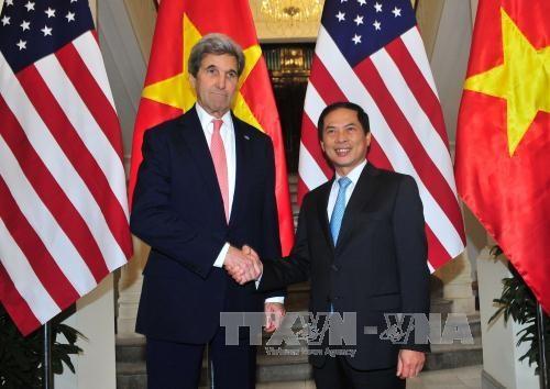 美国国务卿约翰·克里正式访问越南 hinh anh 1