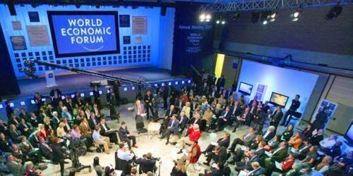 越南政府总理阮春福出席WEF:越南与世界经济论坛关系继续积极发展 hinh anh 1
