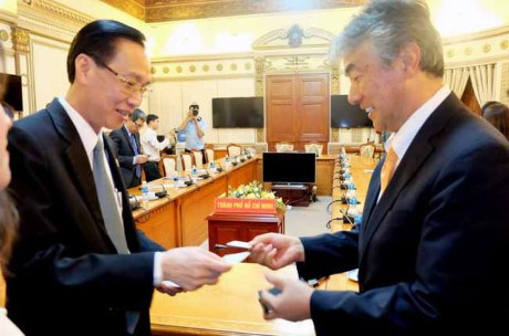 日本企业希望与胡志明市建立经贸投资合作关系 hinh anh 1