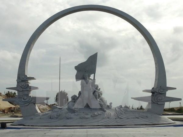 庆和省鬼鹿角战士纪念区工程塑像项目验收 hinh anh 1
