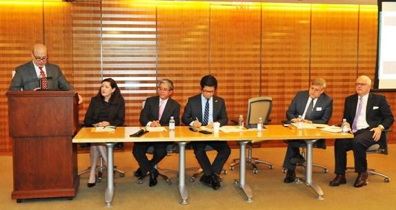 2017年越南APEC峰会推广活动在美国开展 hinh anh 1