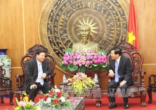 隆安省与柬埔寨各省加强友好合作关系 hinh anh 1