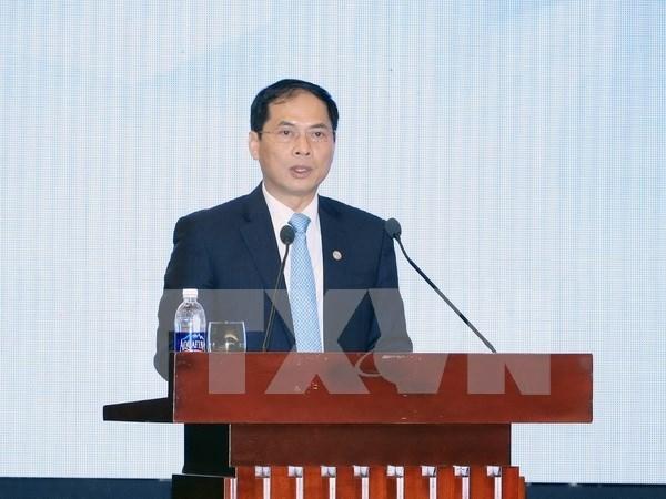 裴青山副外长:阮春福总理出席第47届世界经济论坛年会之旅取得许多重要成果 hinh anh 1