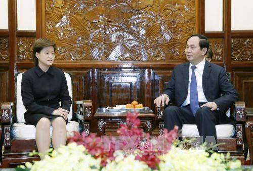 国家主席陈大光会见新加坡驻越大使凯瑟琳 hinh anh 1