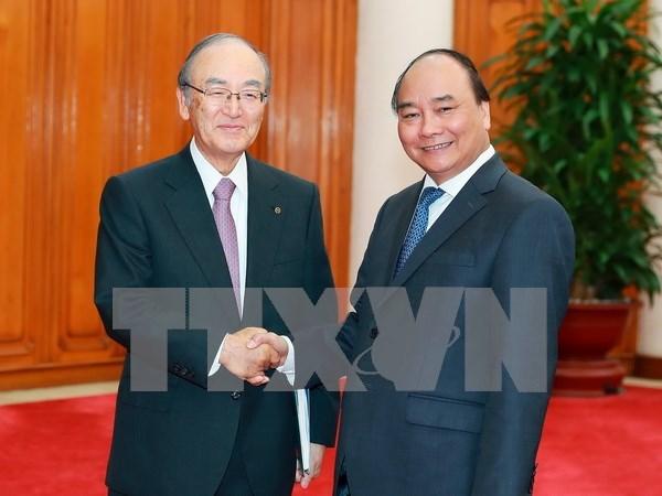 越南政府总理阮春福会见日本商工会议所代表团 hinh anh 1