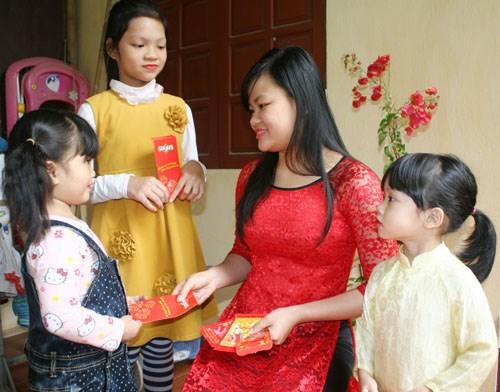越南人春节习俗: 派红包 hinh anh 1