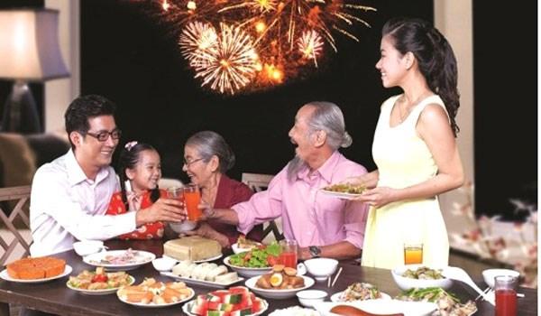 团圆饭 让春节过得更有年味 hinh anh 1
