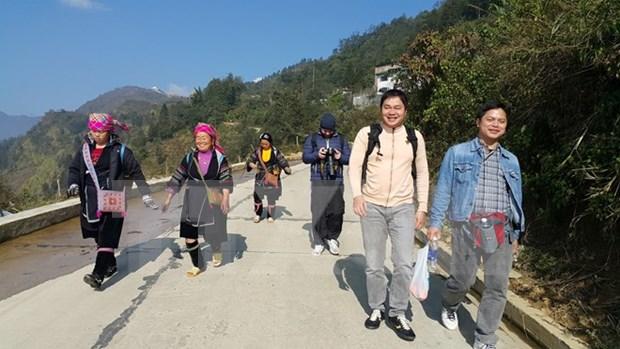 老街省信仰旅游颇受游客的青睐 hinh anh 1