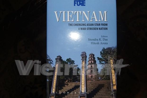 《越南:从战争废墟中崛起的亚洲之星》新书首发式在印度举行 hinh anh 1