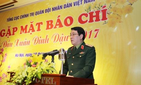 新闻媒体需在军事、国防和建国卫国任务的宣传工作中发挥积极的思想引领作用 hinh anh 1