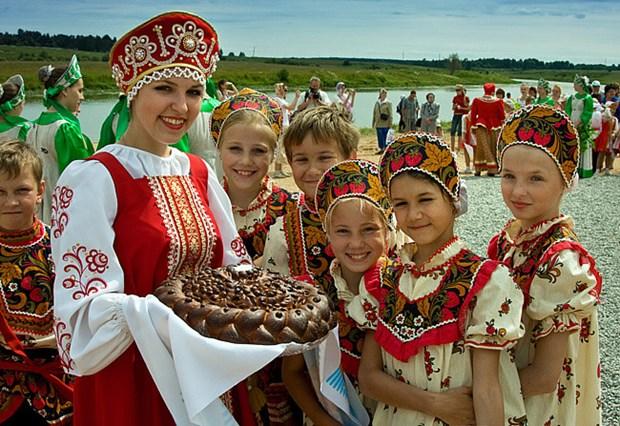白俄罗斯确定对包括越南在内的80个国家公民免签 hinh anh 1