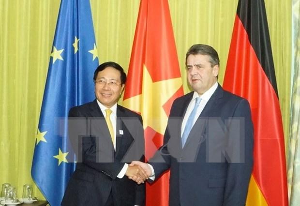 越南与德国外交部领导同意加强双边关系 hinh anh 1