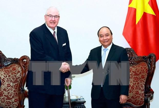 越南政府总理阮春福会见英国怡和集团主席亨利·凯瑟克爵士 hinh anh 1