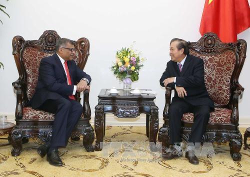 越南政府常务副总理张和平会见新加坡最高法院首席大法官梅达顺 hinh anh 1
