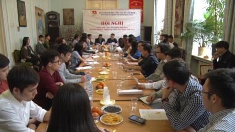 越南胡志明共青团驻俄罗斯团委在数量和质量方面快速发展 hinh anh 1