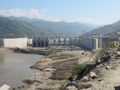 北本水电站项目有关各方论坛在老挝举行 hinh anh 1