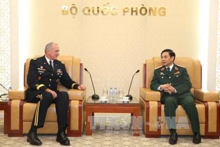 越南人民军总参谋长潘文江会见美国太平洋陆军司令罗伯特·布朗 hinh anh 1