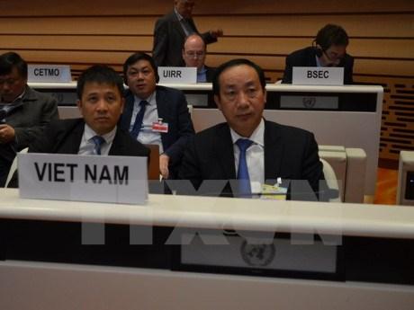 越南出席在瑞士举行的联合国欧洲经济委员会部长级会议 hinh anh 1