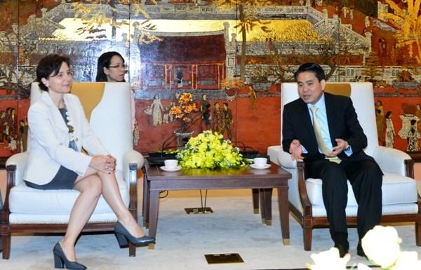 越南河内市欢迎意大利企业前来寻找投资商机 hinh anh 1