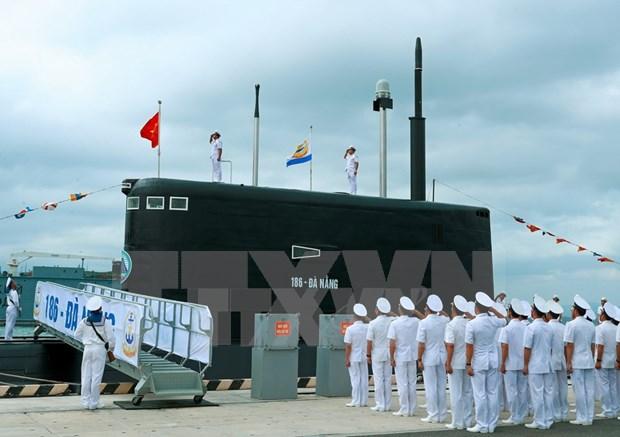 """阮春福总理出席""""186-岘港""""号和""""187-巴地头顿""""号潜艇升旗仪式 hinh anh 1"""