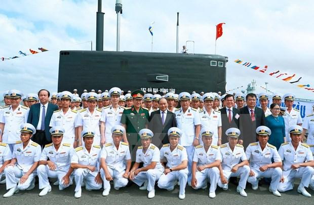 """阮春福总理出席""""186-岘港""""号和""""187-巴地头顿""""号潜艇升旗仪式 hinh anh 2"""