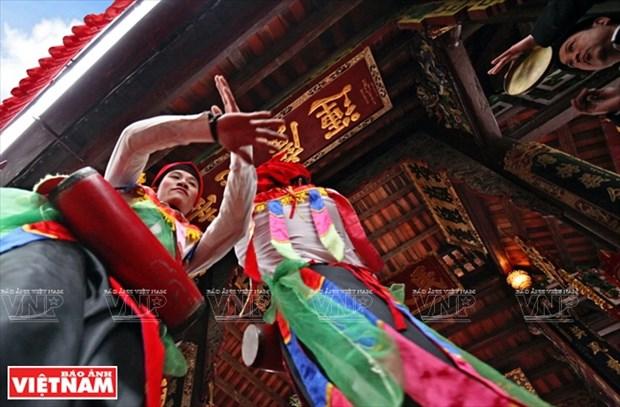 河内清池县朝曲村的传统艺术——蓬舞 hinh anh 9