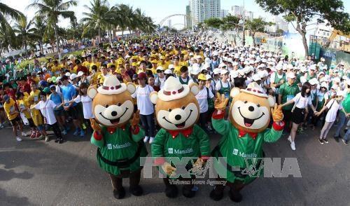 2017年第五届岘港国际马拉松赛预计吸引5000多名运动员参赛 hinh anh 1