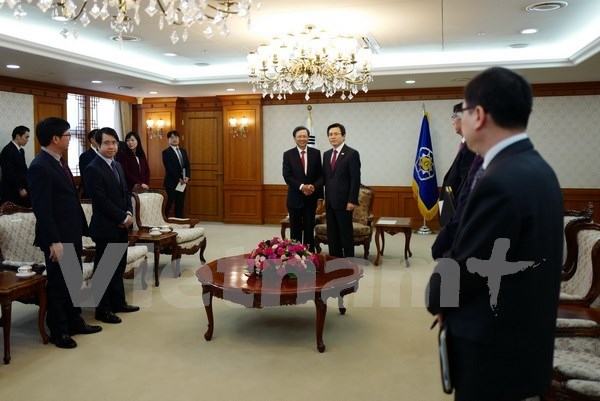 韩国领导人高度评价越韩关系的发展势头 hinh anh 1