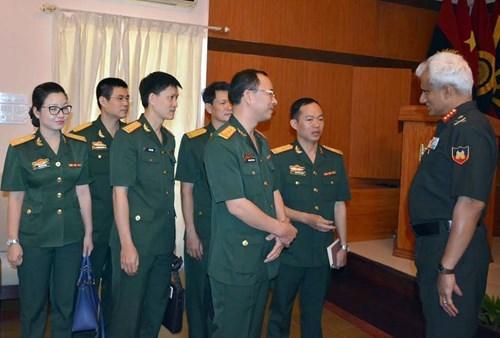 越南青年军官代表团访问印度 hinh anh 1