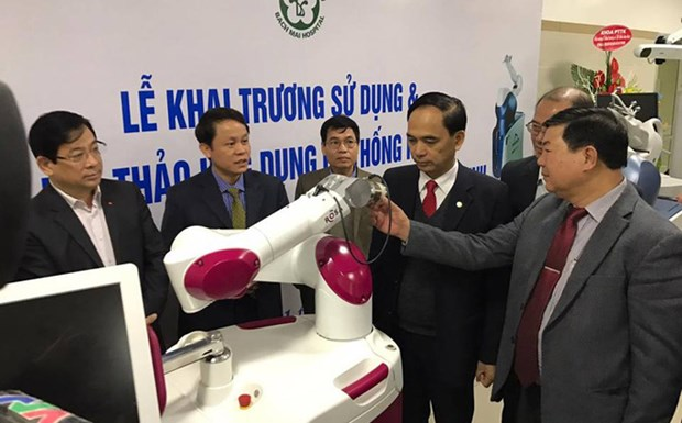 越南白梅医院使用机器人进行全膝关节成形术 hinh anh 1