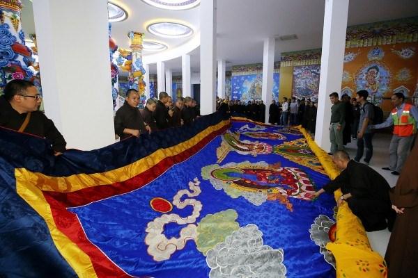 越南最大观音刺绣画被列入越南纪录 hinh anh 1