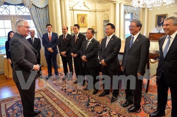 美国务卿蒂勒森:美国一直重视对东盟的战略伙伴关系 hinh anh 1