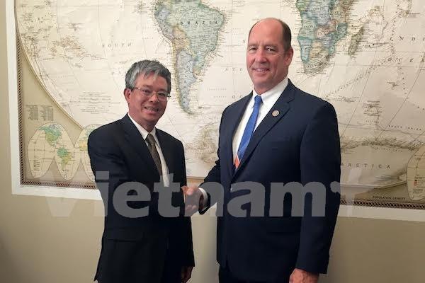 越美两国一致同意加强双边和多边合作关系 hinh anh 1