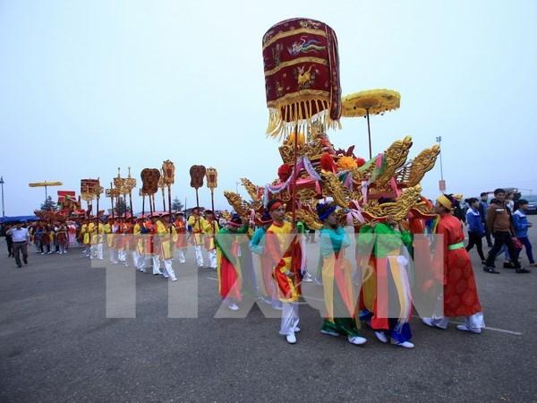 宗教文化旅游广受游客欢迎 hinh anh 1