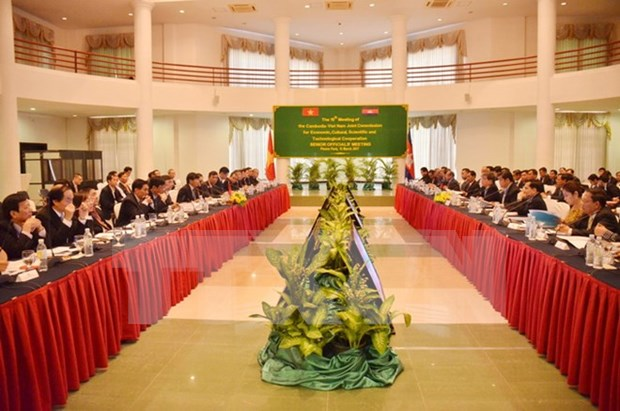 越柬经济文化科技混合委员会第15次会议:深化睦邻友好促进全面合作 hinh anh 1