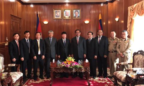 越南公安部与柬埔寨内政部加强合作 hinh anh 1