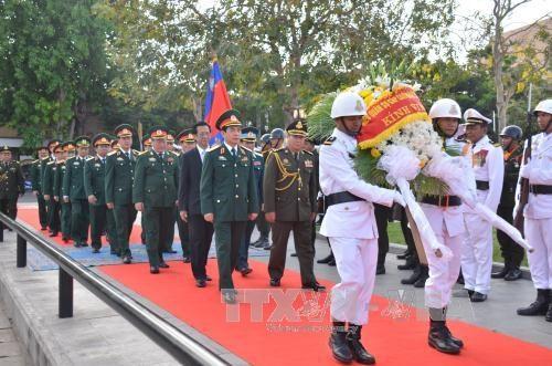 越柬建交50周年:进一步深化两国防务合作 hinh anh 1