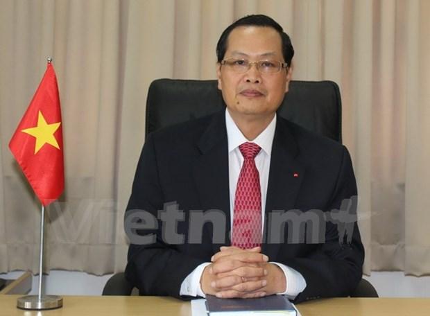 新加坡总理访越将引领两国关系不断向前迈进 hinh anh 1