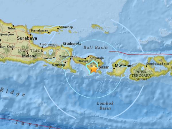印尼巴厘岛发生6.4级地震 造成多人受伤 hinh anh 1