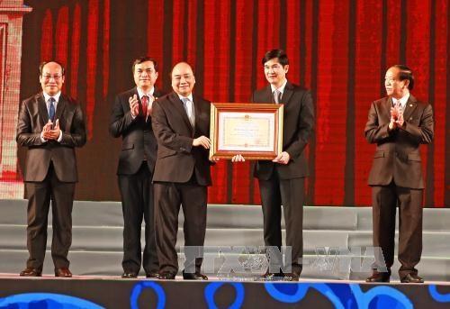 阮春福总理出席广南省重建20周年纪念典礼 hinh anh 1