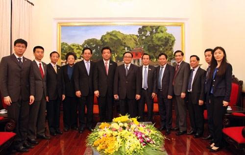 深化越中两国首都的友好合作关系 hinh anh 2