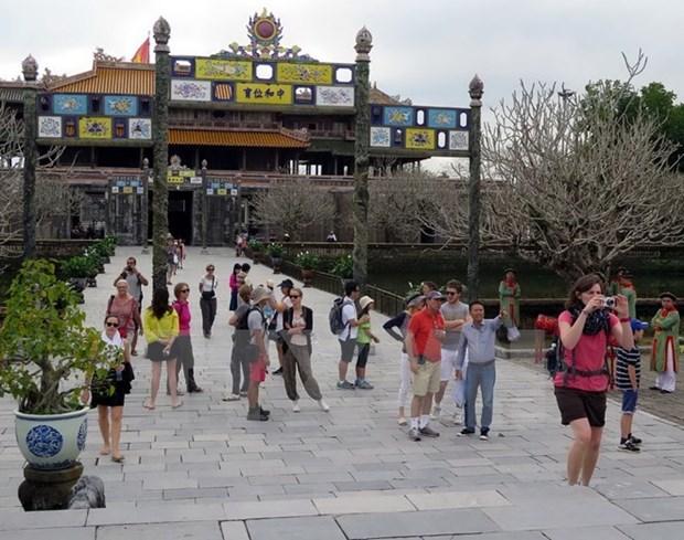 越南承天顺化省努力提升旅游产品和旅游服务质量 hinh anh 1