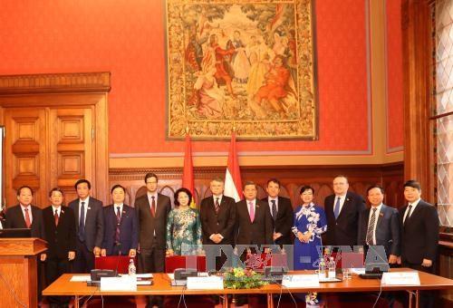 越南国会主席阮氏金银圆满结束对匈牙利的正式访问 hinh anh 1