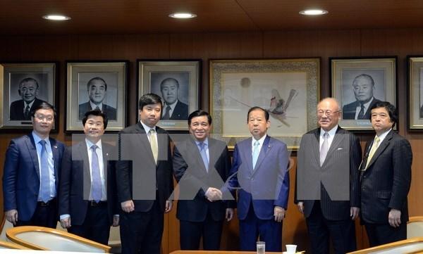 越日投资座谈会:越南承诺为日本企业在越南进行投资创造便利条件 hinh anh 1