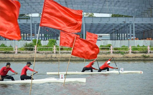 2017年第7届九龙江三角洲体育运动会:游泳、台球和皮划艇比赛陆续开赛 hinh anh 2